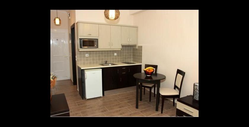 Perros Apartments 8