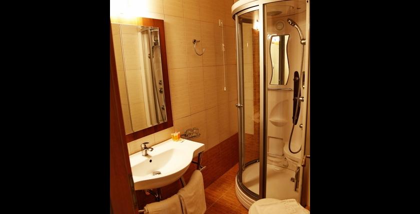 Alianthos Beach Hotel 10