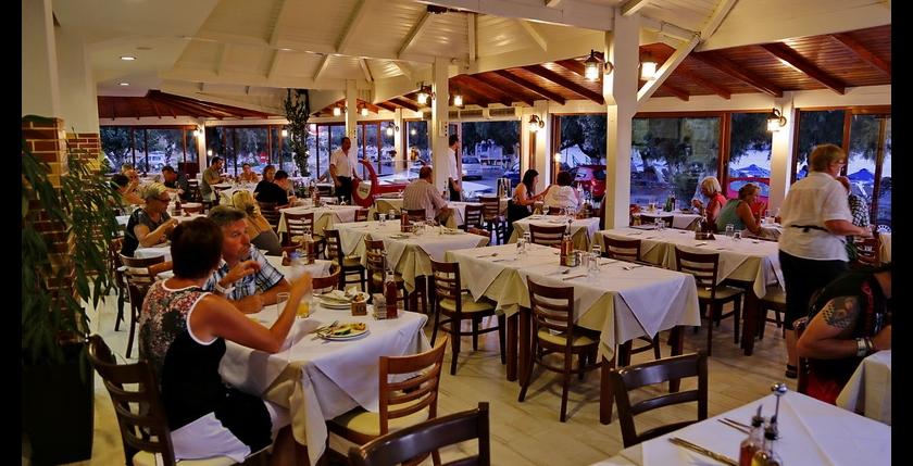 Alianthos Beach Hotel 11