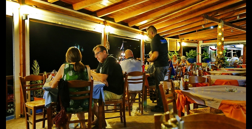 Atlantis Restaurant and Apartments 12