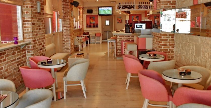 Kentrikon Cafe Bar 1