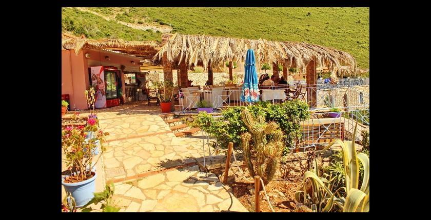 Bilvi Cafe Restaurant 12