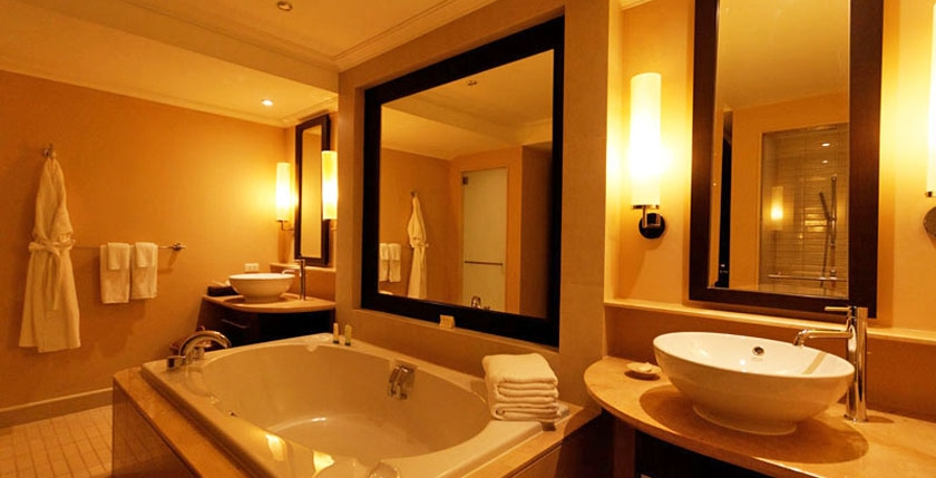Brettania Hotel & Patisserie 9