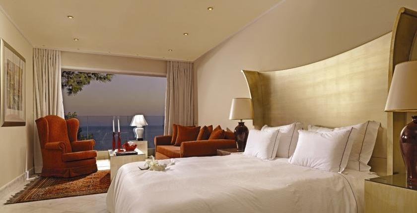 Capsis Hotel 4