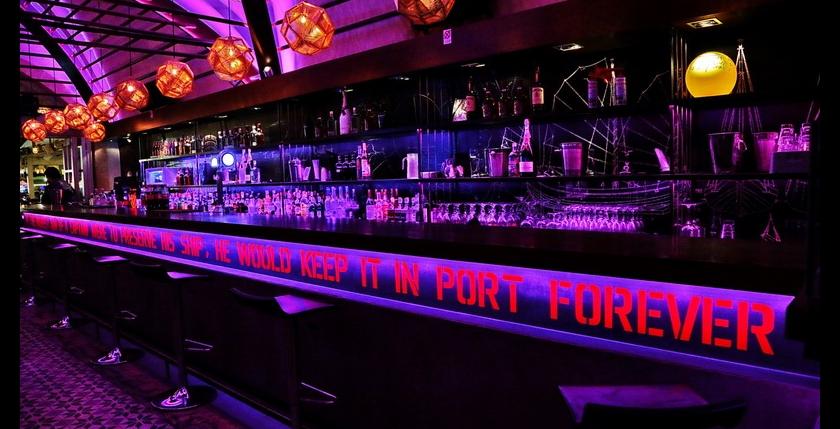 Deck Club Restaurant 7