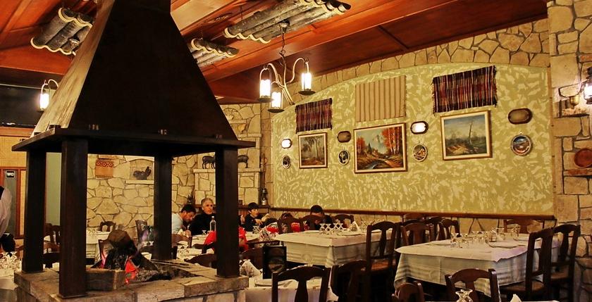 Elatos Restaurant 7