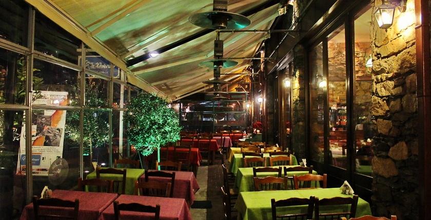 Filelloinon Restaurant 10