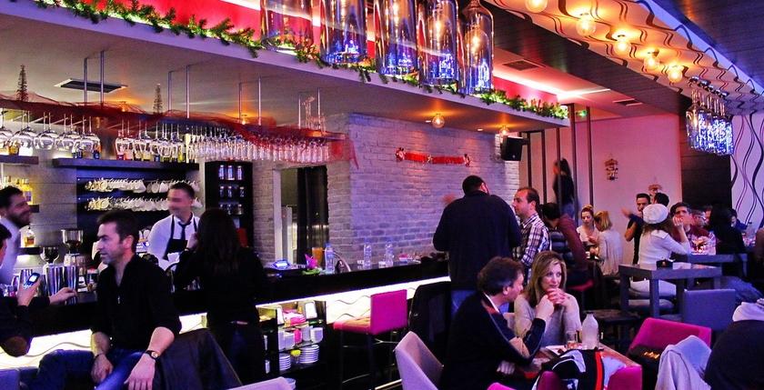 Cruzar Cafe Bar 12