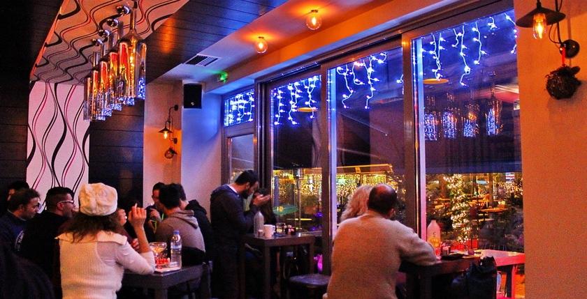 Cruzar Cafe Bar 13