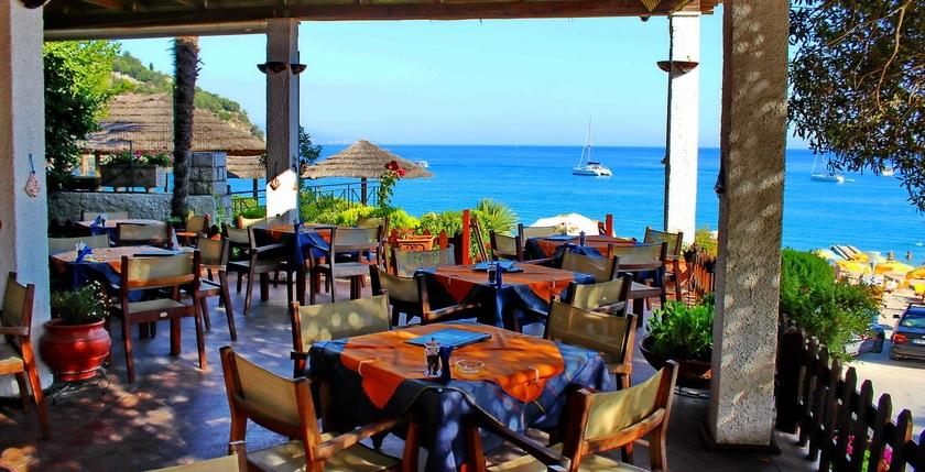 The Captains Restaurant 5