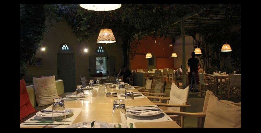 Itan Ena Mikro Karavi Restaurant 3