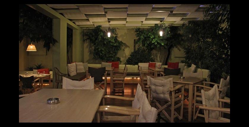 Itan Ena Mikro Karavi Restaurant 5