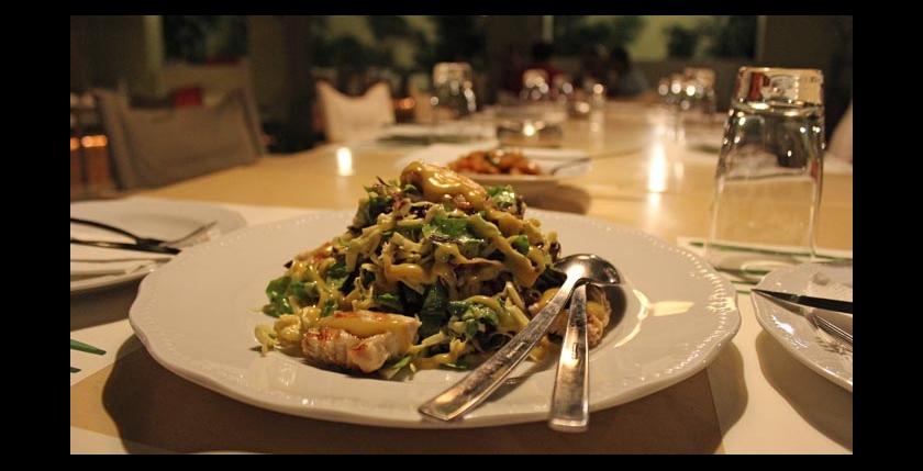 Itan Ena Mikro Karavi Restaurant 8