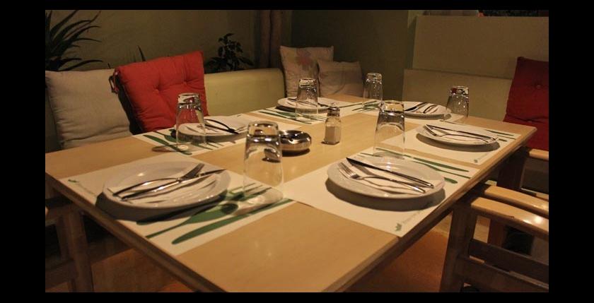 Itan Ena Mikro Karavi Restaurant 13