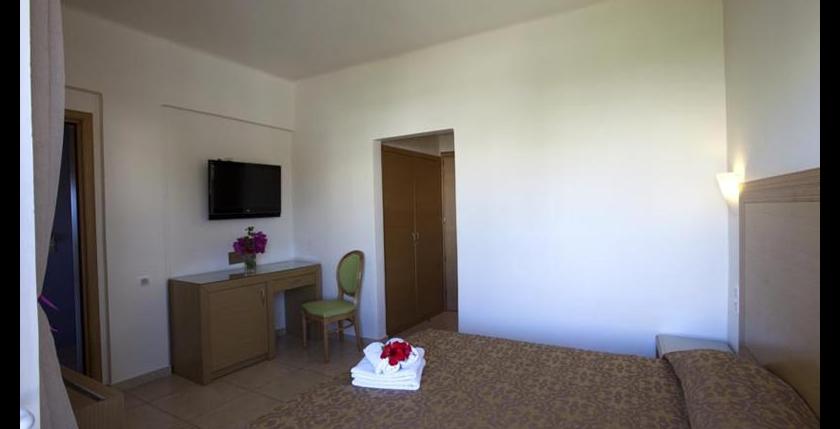 Itanos Hotel 8