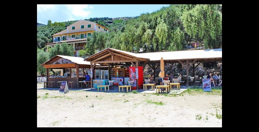 Kalamaki Beach Bar 7