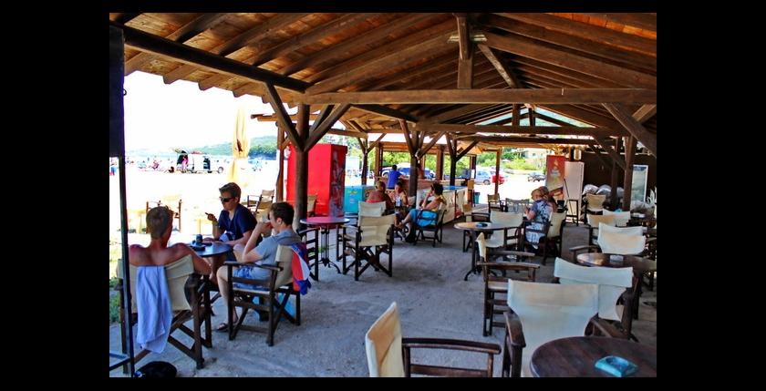 Kalamaki Beach Bar 8