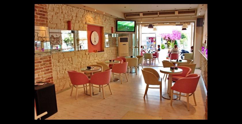 Kentrikon Cafe Bar 5
