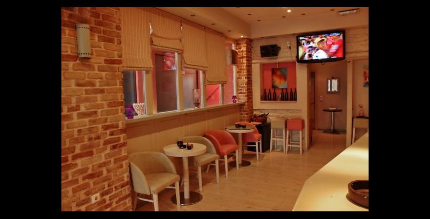 Kentrikon Cafe Bar 7