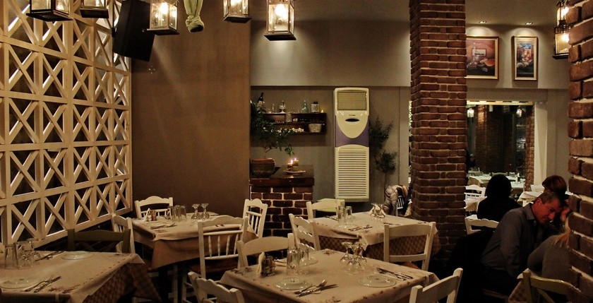 Ladofanaro Restaurant 6