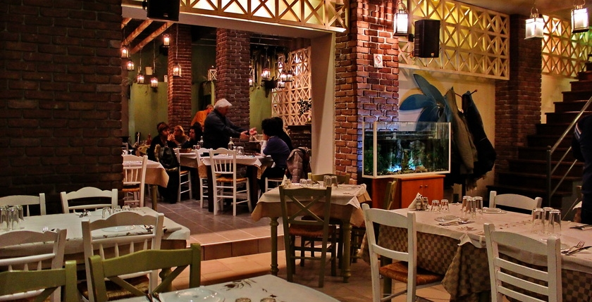 Ladofanaro Restaurant 11