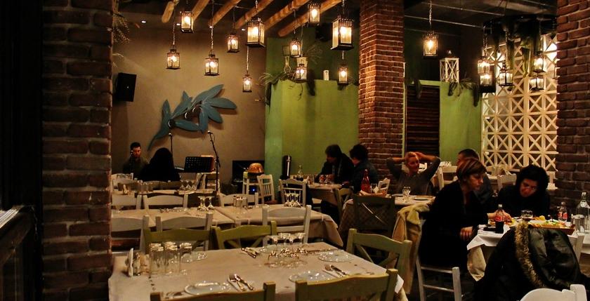 Ladofanaro Restaurant 12