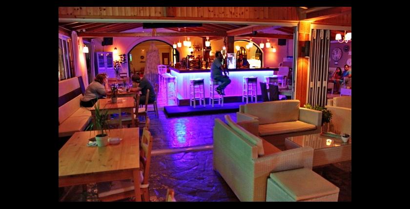 Limani Cafe Bar 9