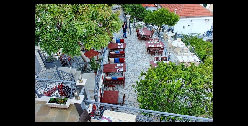 Maistros Restaurant 1