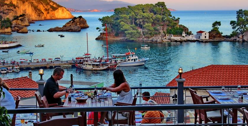 Maistros Restaurant 9