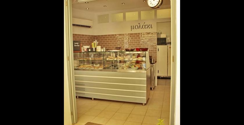 Molaki Cafe 9