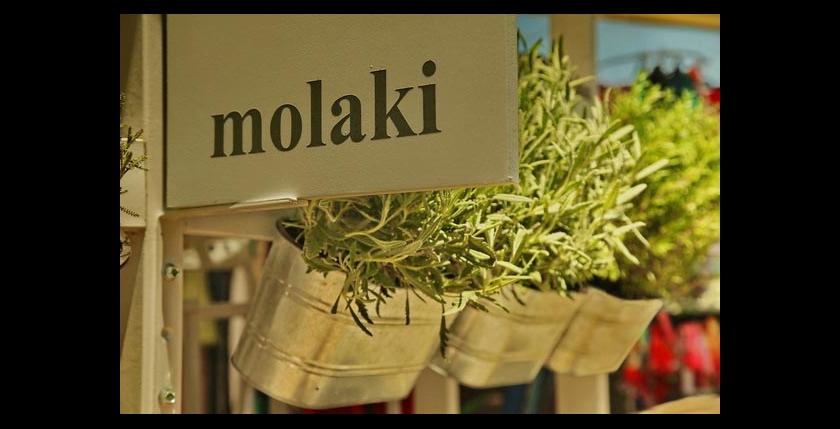 Molaki Cafe 10