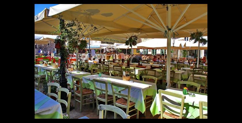 Nautilus Restaurant 9