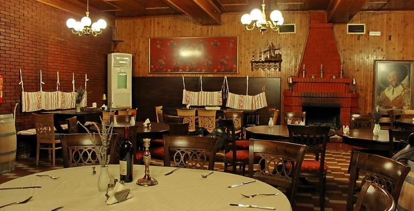 Nisaki Restaurant 10