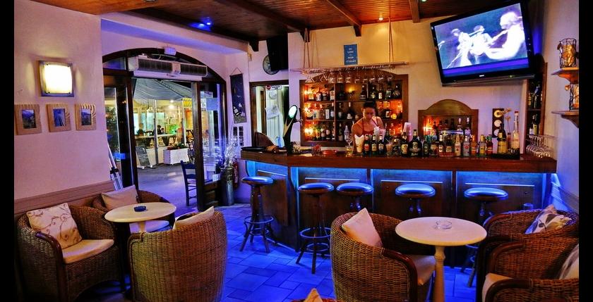Ostraco Cafe Bar 7