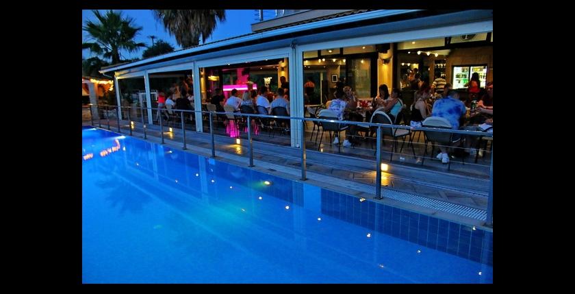 Kavos Plaza Hotel 9