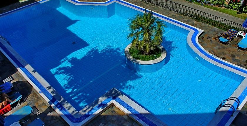Rezi Hotel 1
