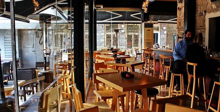 Sinatra Cafe & Wine Bar 2