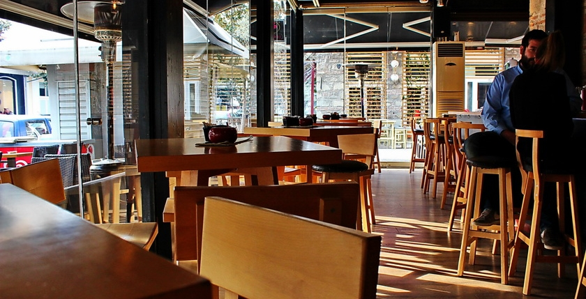 Sinatra Cafe & Wine Bar 3