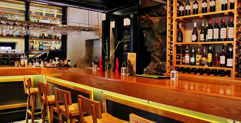 Sinatra Cafe & Wine Bar 8