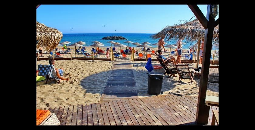 Tayo Beach Bar 9