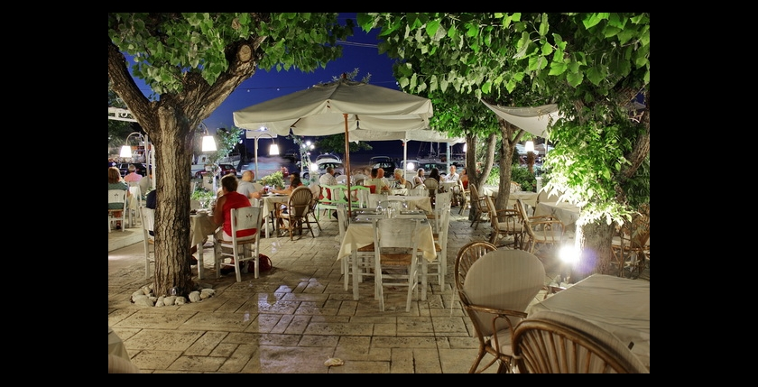 Uncle Simos Restaurant 3