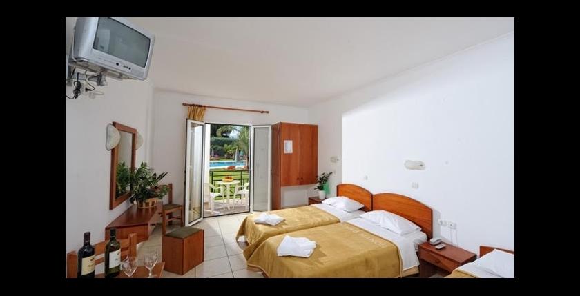 Yiannis Manos Hotel Resort 8