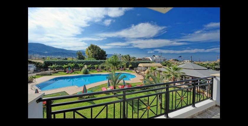 Yiannis Manos Hotel Resort 12