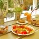 Molaki Cafe 7