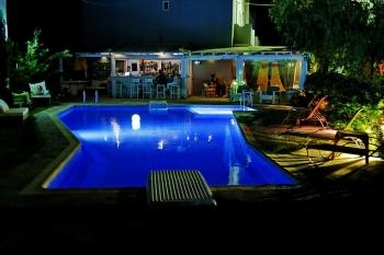 Calma Hotel