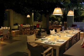 Itan Ena Mikro Karavi Restaurant