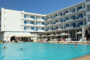 Tinos Beach Resort