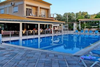 Kavos Plaza Hotel