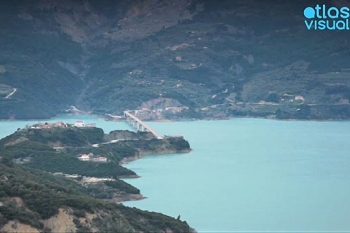 Kremaston Lake