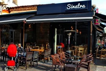 Sinatra Cafe & Wine Bar